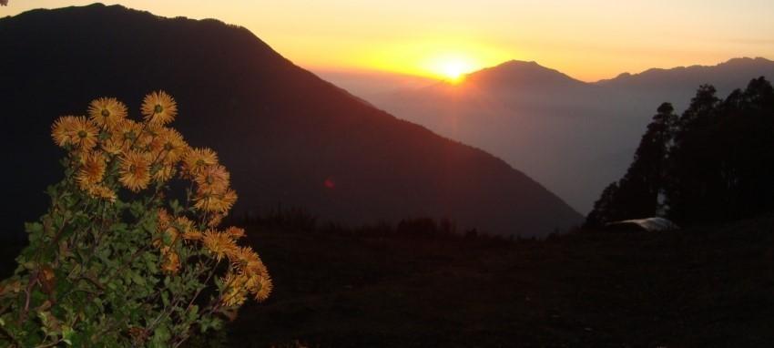 Trek dans le Langtang Gosaikunda - Coucher de soleil vue de Singgomba- Langtang Gosainkunda Trekking