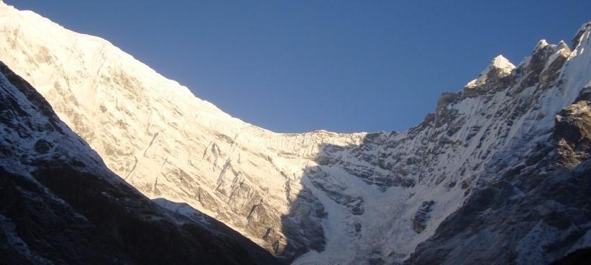 Trek dans le Langtang Gosaikunda - Langtang Gosainda Trekking-Vue de Kyanjinggomba