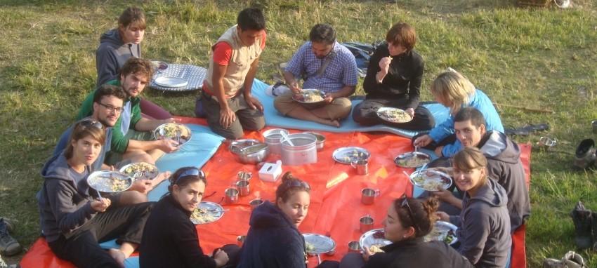 À propos de High Himalaya Treks - Haut Himalaya Trekking et Expedition pratique philanthropique