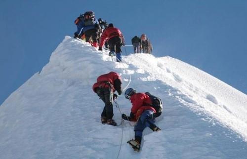 Escalade du Mera Peak
