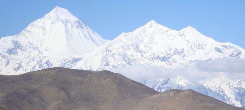 Поход к Джомсому и Муктинатху - Прекрасный вид из Муктинатха на гору Дхаулагири