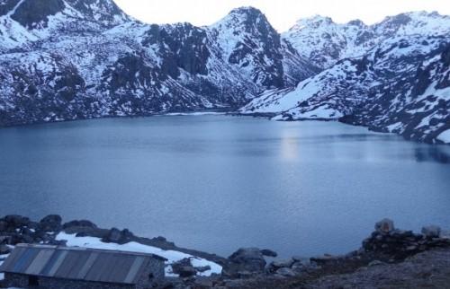 Поход к священному озеру Госаинкунда